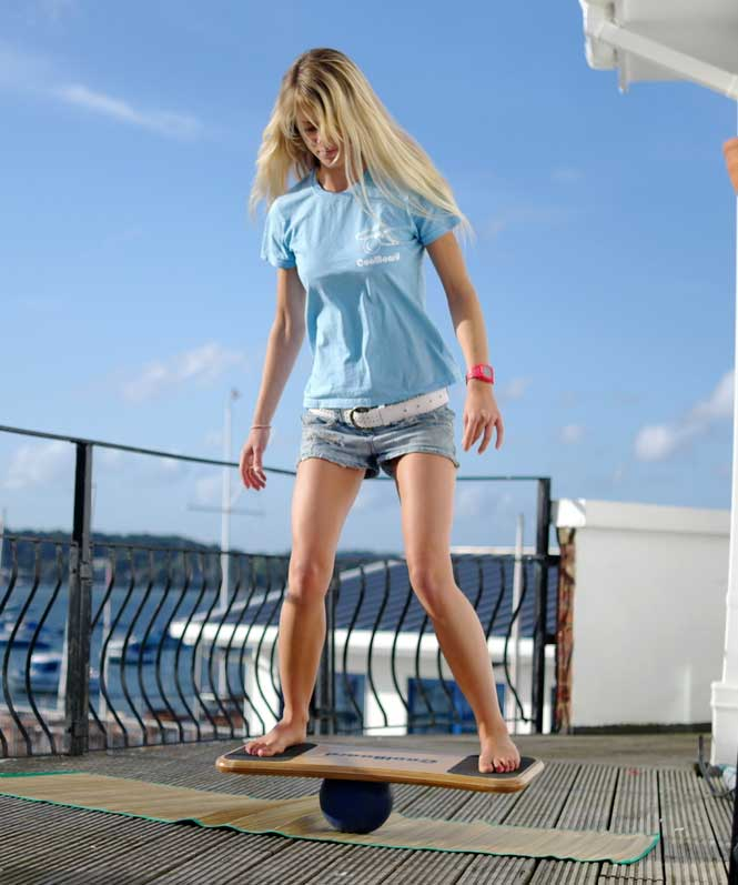 Tee balancing on CoolBoard on decking